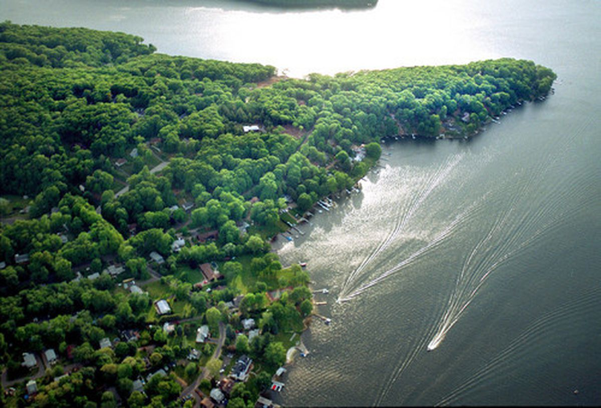 gift certificate for an aerial tour of candlewood lake
